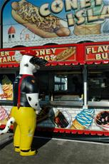 Sparky in line at Coney Island hot dog stand