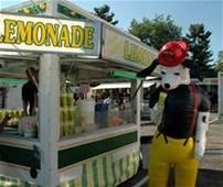 Sparky getting lemonade